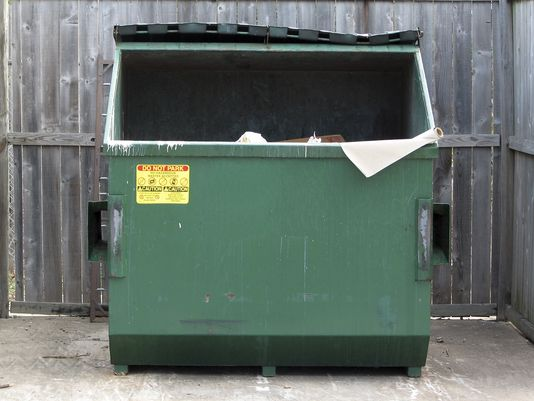 635592749860764634-dumpster